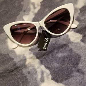Accessories - White Zero UV and Coors Light Sunglass Bundle
